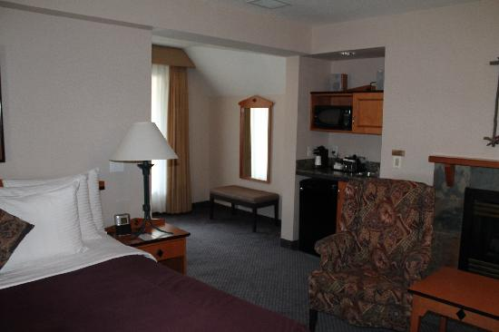 BEST WESTERN Pocaterra Inn: Comfy and Cozy Rooms