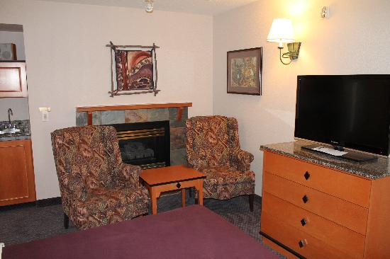 Best Western Pocaterra Inn: Cozy Comfort