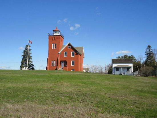 Lighthouse Bed & Breakfast: Picture of the Lighthouse and grounds