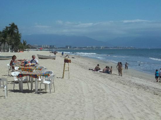 The Bucerias Art Walk : Bucerias Beach looking towards Nuevo Vallarta