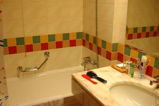Pestana Gardens Ocean Aparthotel: Bathroom