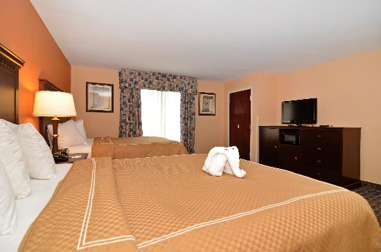 Comfort Suites Gateway: Two Queen Bed Suite