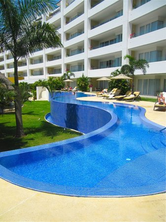 Marival Residences Luxury Resort: Adult only pool (one of two adult only pools)