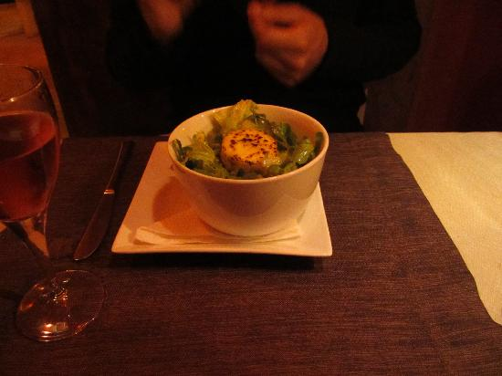 Restaurant d'Orient et d'Ailleurs : Goats cheese salad