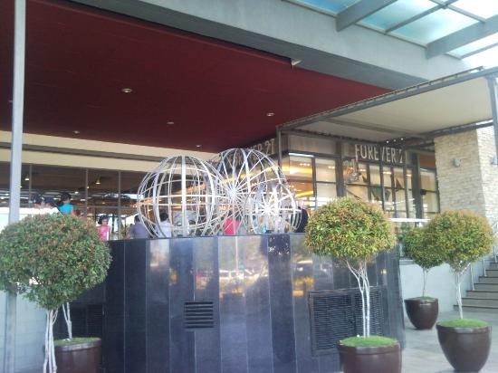 SM City Cebu: Outside