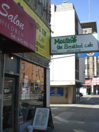 Moulin Rouge Restaurant: Moulin