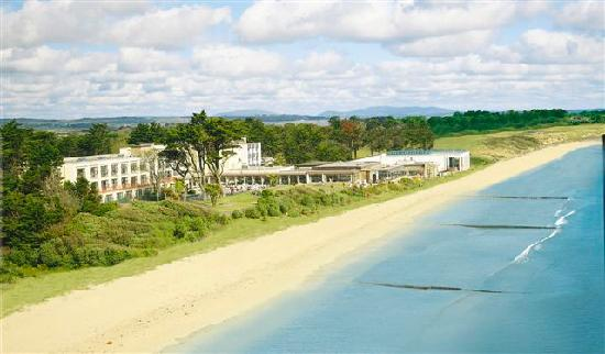 Kelly's Resort Hotel & Spa : Kelly's Resort on 5 miles of Safe Sandy Beach