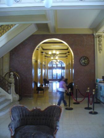 New Washington Hotel: interior