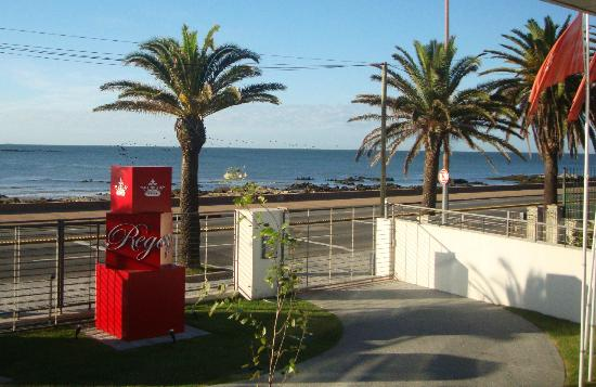 Regency Rambla Design Apart Hotel: Vista da Janela do Apartamento para o Rio Del la Plata