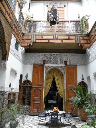 Riad Laayoun: Cour intérieur