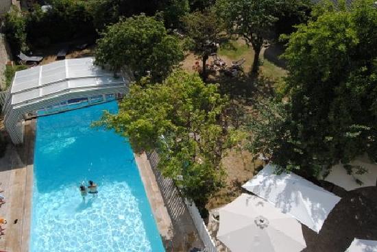Hôtel des Thermes et du Casino : la piscine