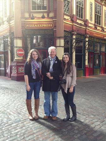 บริติชทัวร์ - เดย์ทัวร์ฟรอมลอนดอน: Harri, our wonderful guide!