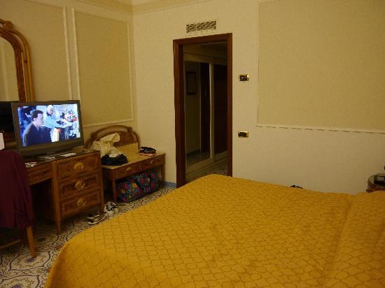 Grand Hotel De La Ville Sorrento: Standard Room