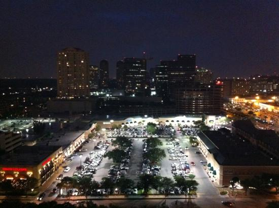 Westin Oaks Houston at the Galleria: view of downtown