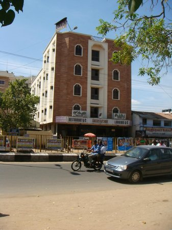 Pollachi, India: Hotel Front