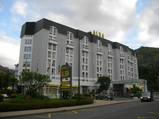 La moderna struttura dell'Hotel ALBA