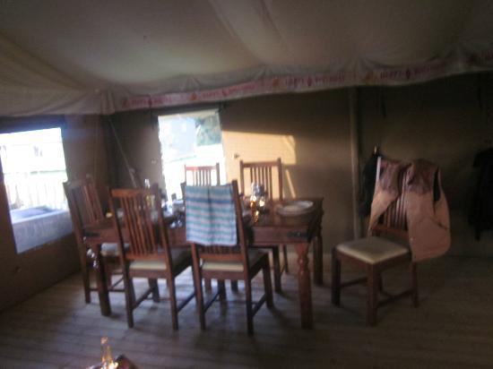 Thornham Bay - Wild Luxury: dining area