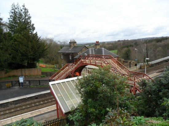 Crown Wetheral Hotel: The wee train station