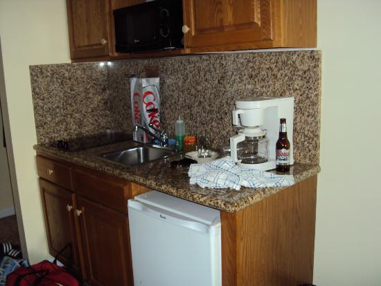Royal Atlantic Beach Resorts: Kitchenette