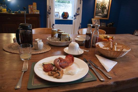 Mill Water House : Breakfast - The breakfast spread