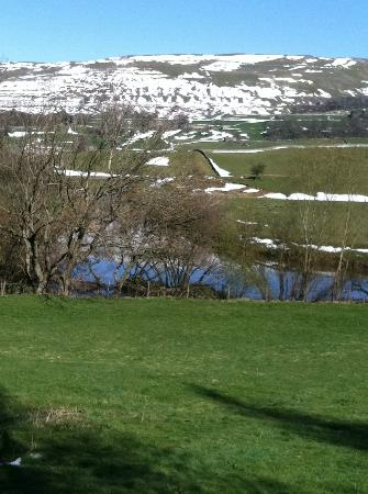 The Board Inn: A beautiful walk from The Old Board Inn in Hawes, Yorkshire Dales, UK