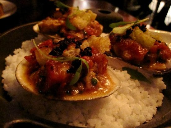 Le Local: clam with lardons and olives