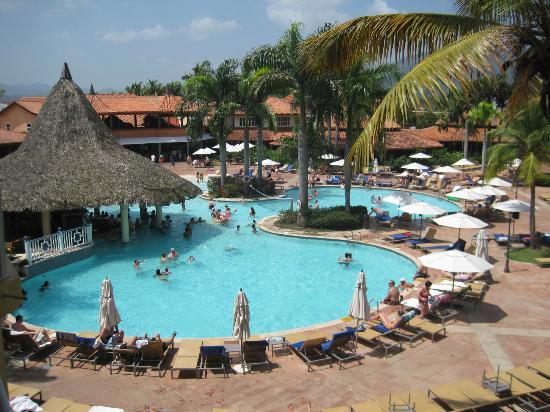 VH Gran Ventana Beach Resort: Main pool
