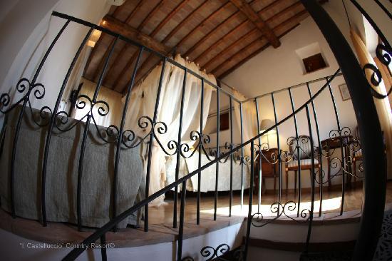 Ampia carta dei vini foto di il castelluccio country for Dettagli d arredo