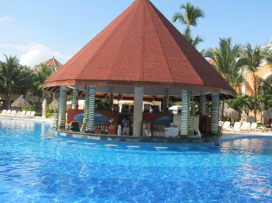 Luxury Bahia Principe Ambar Blue Don Pablo Collection : pool bar
