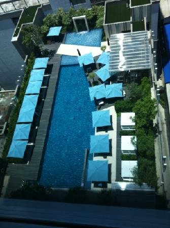 Sofitel Bangkok Sukhumvit: pool from the 19th floor