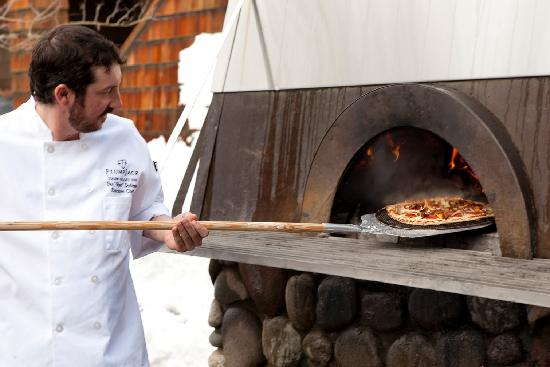 PlumpJack Squaw Valley Inn: Wood fired pizza oven