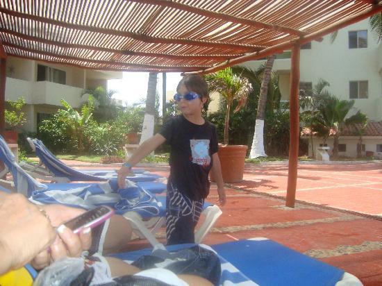 Bahia del Sol Resort: Listo para irse a la piscina TODO EL DIA!!!!