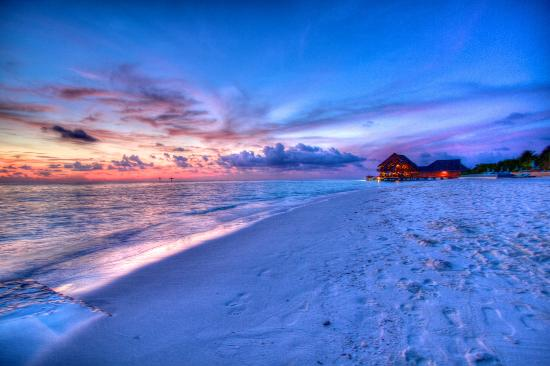 Anantara Dhigu Maldives Resort: Perfect sunsets