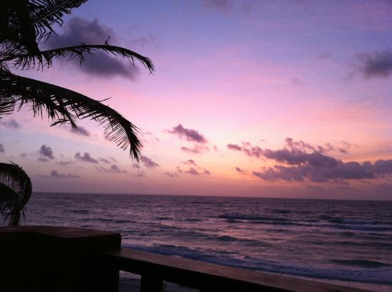 Nueva Vida de Ramiro: Sunrise from our porch