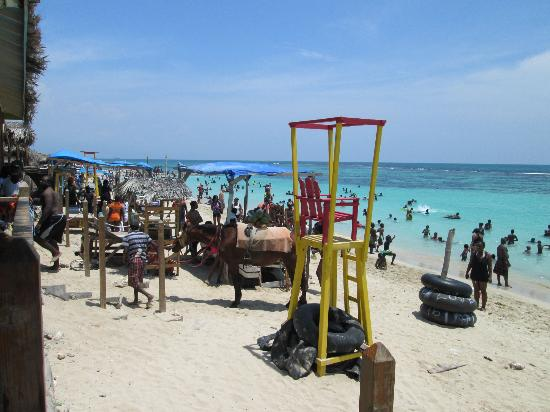 Portmore, Jamaica: Hellshire Beach