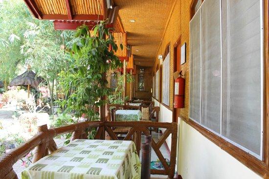 Kawayanan Resort : Balcony/Sitting Area outside rooms