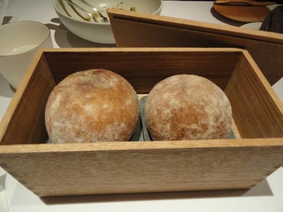 Fujiya 1935: Bread