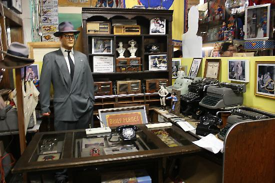 Super Museum : Props from Superman TV Show (and Dragnet)