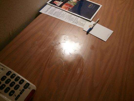 Best Western Inn: nasty stain on desk