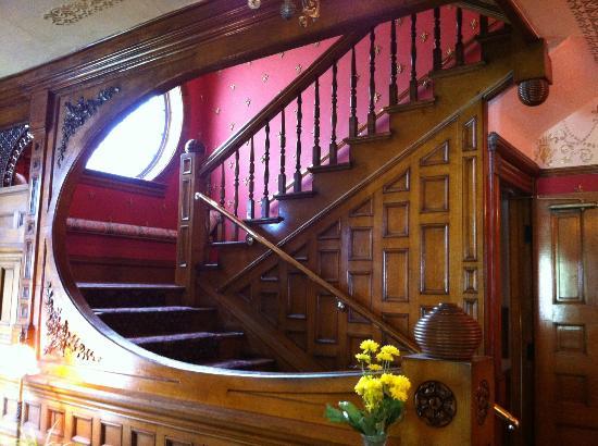 Castle Marne Bed & Breakfast Inn: Castle Marne Stairs