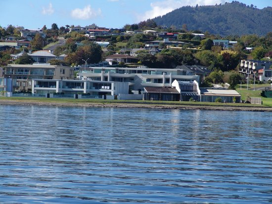 Sacred Waters Taupo Luxury Apartments: View from the lake