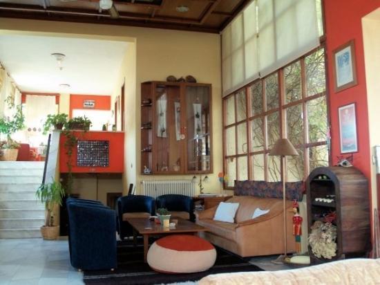 Thrassa Hotel: Super Lobby