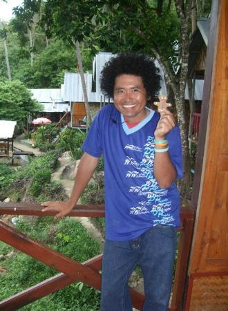 PP Ingphu Viewpoint: One of the friendly staff