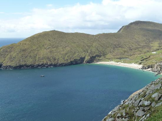 Boffin Lodge: This was the beautiful unspoilt beach on Achill that Bernie recommended to us