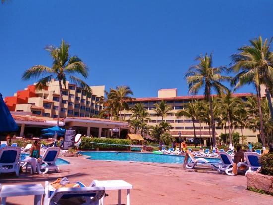 Occidental Nuevo Vallarta: The pool are during full capacity