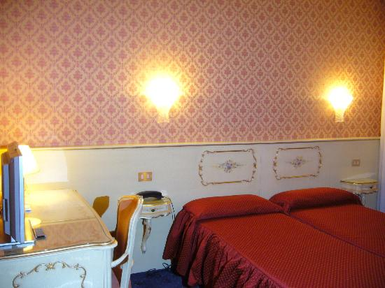 Hotel Diana: ツイン