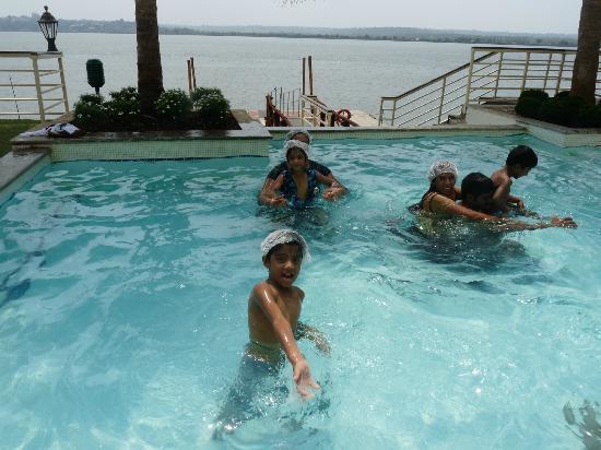 Deltin Palms: pool area