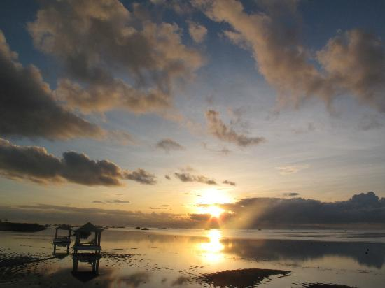‪‪Prama Sanur Beach Bali‬: Sunrise picture 3‬