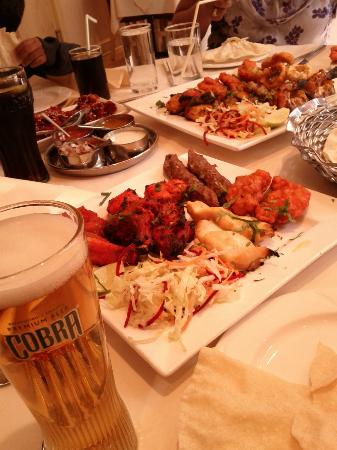 JaiHo at The Coppingham Arms: Try the Non-Veg platter and the sea food platter