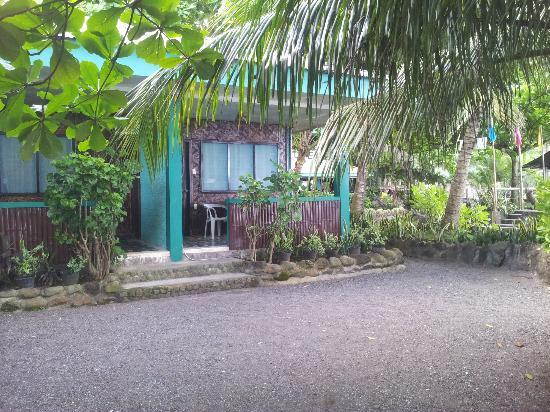 Secret Cove Beach Resort: Front view of Bungalow No.2